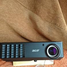Vand vidioproiector Acer X1161, aproape nou.
