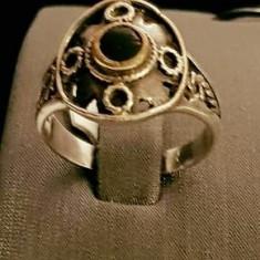 Inel din argint cu onix, model vintage. Masura 19