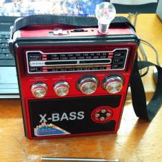 RADIO + STICK USB MP3 PLAYER + LATERNA PORTABIL SI LA CURENT