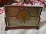 Ceas vechi de masa mauthe functionabil arata foarte bine fara defect