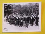 Foto - defilare 01.05.1969 Ploiesti -  Colegiul Judetean de Arbitrii fotbal
