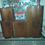 Vitrina de sufragerie