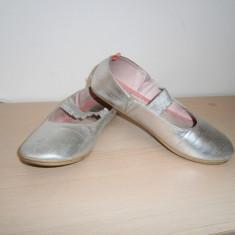 Pantofi fete gen opincute, H & M, mar 31, in stare buna! - Pantofi copii H&M, Culoare: Din imagine