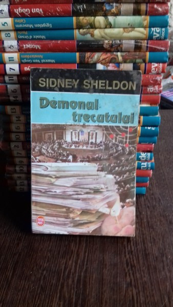 DEMONUL TRECUTULUI - SIDNEY SHELDON