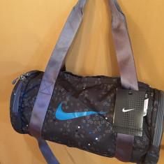 Geanta Fitness GYM Nike Raceday Small Duffel 100% Original ! - Geanta Dama Nike, Culoare: Din imagine, Marime: Mica, Geanta sport, Microfibra