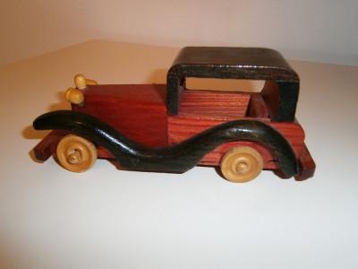 Masinuta de lemn model de epoca, in stare foarte buna! foto