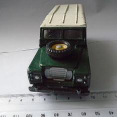 bnk jc Corgi Land Rover 109WB