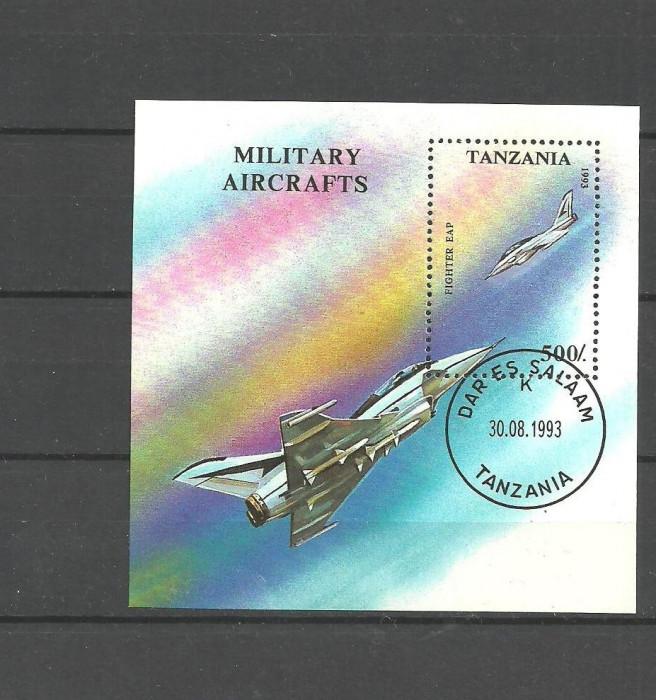 TANZANIA 1993 - AVION MILITAR DE VANATOARE, colita stampilata, T119 foto mare
