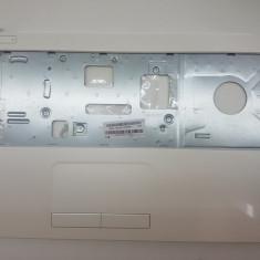 2748. HP 15-R030SQ Palmrest + touchpad