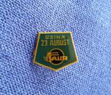Insigna Uzina 23 august - tema feroviara - industrie - Cfr