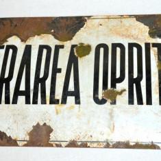 Semn stradal vechi din porțelan INTRAREA OPRITA ! - tabla emailata interbelica, Ornamentale