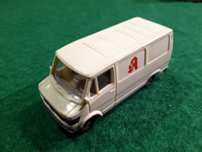 Wiking  Mercedes Van Made in Germany scara 1:87 Macheta este din Plastic. foto