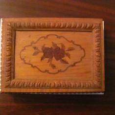 PVM - Cutie lemn mai veche frumoasa (1)