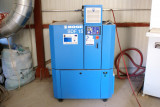 Compresor cu șurubm cu unitate de uscare aer și convertizor de frecvență