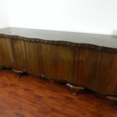 Vand mobila veche din lemn masiv