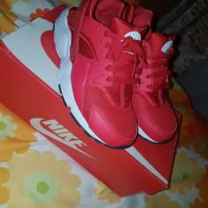 Adiasi Nike Huarache Run Woman - Adidasi dama Nike, Culoare: Rosu, Marime: 37.5