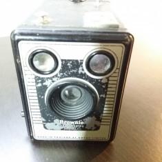 Aparat foto Kodak Brownie Six-20 Model C - Aparate Foto cu Film
