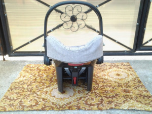 Chicco / Grey / scoica scaun copii auto (0-13 kg)
