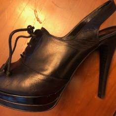 Pantofi Baldinini negri decupati la varf - Pantof dama Balenciaga, Culoare: Negru, Marime: 38, Cu toc