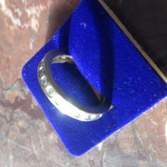 Inel de aur cu pietre - Inel aur, Carataj aur: 9K, Culoare: Galben
