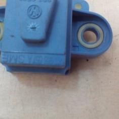 Senzor impact usa VW Golf 5 / Passat B6 An 2003-2010 cod 1K0955557A