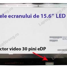 Display laptop Asus X550LB