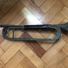 Trompeta veche, franceza, pentru decor