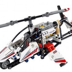 LEGO Technic - Elicopter ultrausor 42057