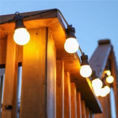 Ghirlanda luminoasa 10M cu 20 LEDuri mate, cablu negru, lumina calda, conectabila 50M, de exterior