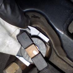 Injector Audi / VW / Skoda / Seat 2.0TDI An 2008-2014 cod 03L130277J
