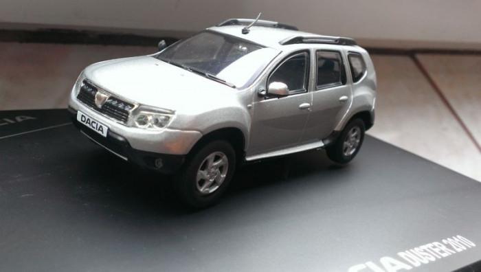 Macheta Dacia Duster 2010 gri metalizat - Solido1/43, editie de reprezentanta