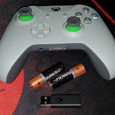 Gamepad Microsoft Xbox One S grey/green + adaptor wireless editie limitata, Controller