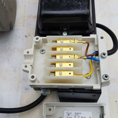 MOTOR  electric  STARTER CONVERTOR porneste motorul de 380V la  220V