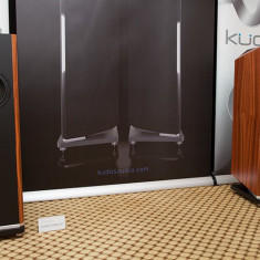 Boxe de podea Kudos Titan 707, made in  UK