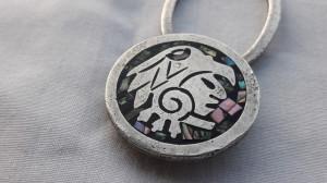BRELOC argint cu simbol AZTEC micromozaic SCOICA ABALONE superb MEXIC splendid