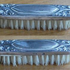 Perie doamne , argint 800 marcat si par natural , interbelica , husa piele