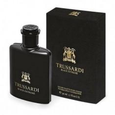 Parfum de barbat Black Extreme Eau de Toilette 50ml - Parfum barbati Trussardi
