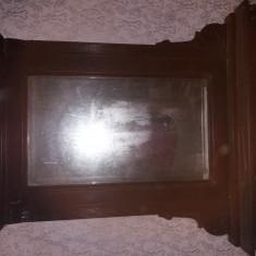 Mobila veche sculptata de dormitor:2 paturi, 2 dulapuri,2 noptiere, 1 scrin