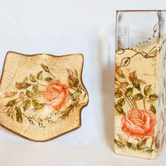 Set vaza si platou Colectia Vintage English Roses - Arta din Sticla