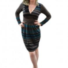 Rochie casual, rosie cu buzunare si fundita bleumarin (Culoare: MARO, Marime: 38) - Rochie de zi