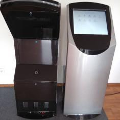 "Infokiosck cu touchscreen 19"", pentru interior"