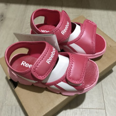 Sandale Reebok Infant Girls Wave Glider Strap Sandals Blazing, 25.5, Roz