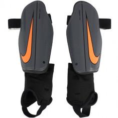 Aparatori unisex Nike Charge Shin Guard SP2093-089 - Aparatori Fotbal