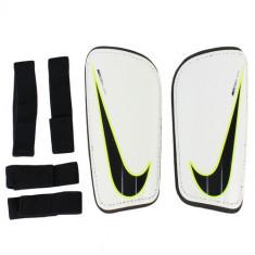 Aparatori unisex Nike Mercurial Hardshell Guard FA16 SP2101-100 - Aparatori Fotbal
