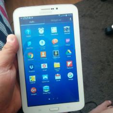 Samsung Galaxy Tab 3 7 inci Wi-Fi + 3G - Tableta Samsung Galaxy Tab 3 7 inci, 8 GB