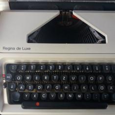 Masina de scris AEG