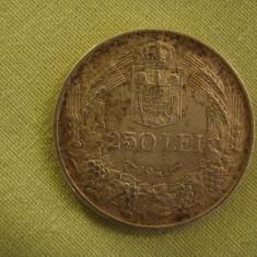 250 lei 1941 - Nihil Sine Deo - Luciu de Batere - Moneda Romania, Argint