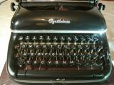 Masina de scris OPTIMA ELITE+banda noua de scris
