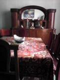 Vând mobilă veche de sufragerie