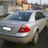 Ofer spre vanzare autoturism Ford Mondeo 2004/ benzina,  100 000 km, stare buna, Berlina